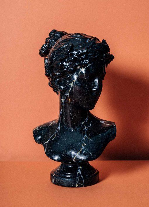Zaida Sabatés — Busto imitación de mármol