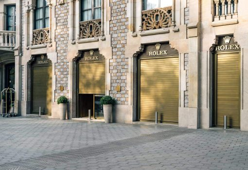 Zaida Sabatés — Tienda Rolex, Barcelona, Escaparate imitación a latón