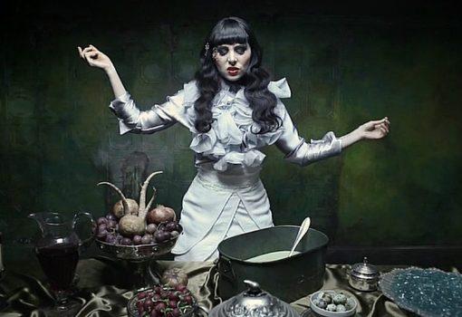 Zaida Sabatés — Mala Rodríguez - Un corazón, Set painter Production designer : Marta Bazaco